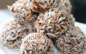 Dark Chocolate, Date, Coconut and Protein Truffles with Crunchy Almonds